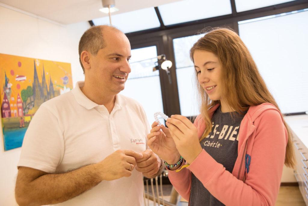 Zahnspange für Erwachsenen Zahnschiene Köln